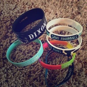 Bundle of 6 commemorative rubber bracelets